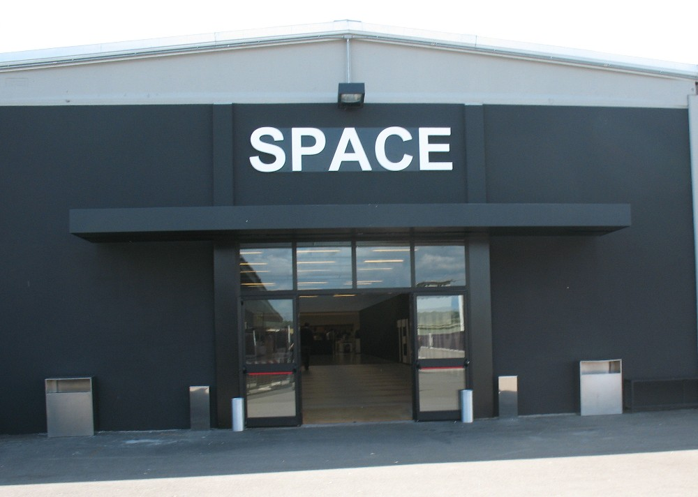 85afe6f747 Space PRADA outlet - montevarchi.tuscany.it